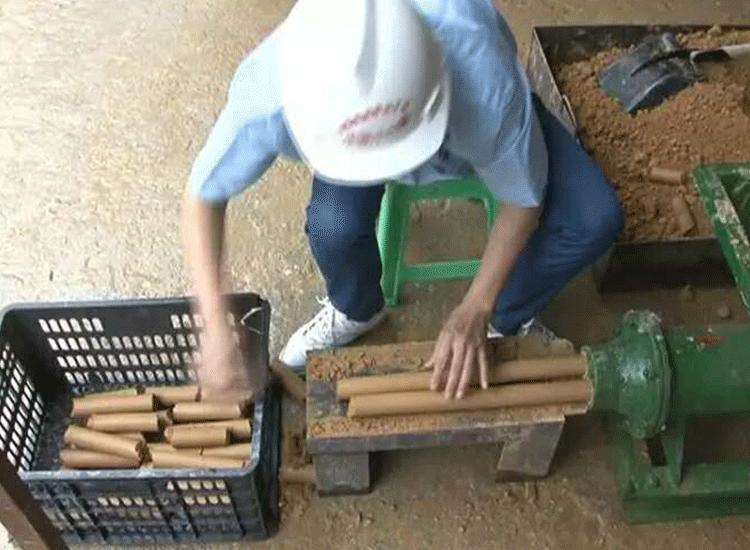 矿用炮泥机祥.png